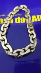 Linda pulseira 18 Kilates 30 granas