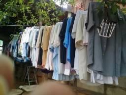 Várias roupas pra bazar
