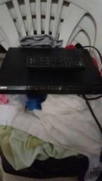Vendo esse aparelho de DVD com o comtrole pegando perfeitamente