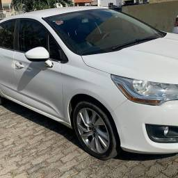 Vendo lindo citroem C4 L 2015 top  so 65mil km, fazemos financiamento