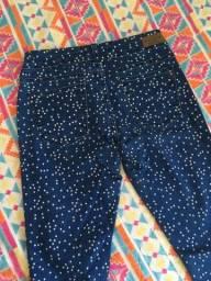 Calça jeans com estrelinhas