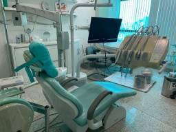 Vendo cadeira e equipo de consultório odontológico