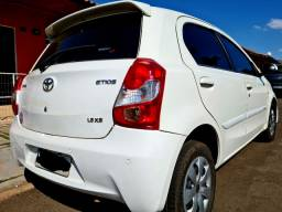 TOYOTA Etios Hatch 1.5 XS 2014 Flex manual