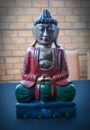 Buda kmer esculpido em madeira com policromia, linda peça tailandesa