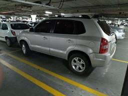 Vendo Hyundai Tucson 2.0 GLSB, veículo muito conservado.
