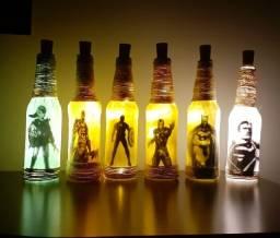 Luminárias de garrafas artesanal temática