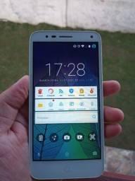 Smartphone Alcatel Pop 4 5051J em bom estado de conservação