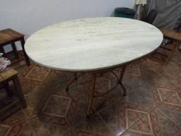 Mesa de marmore oval sem cadeiras
