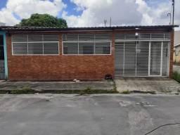Casa na Cidade Nova, 300m2, 2 quartos e área externa