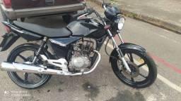 Titan 150cc 2004  + rodas originais 21 todo pago.