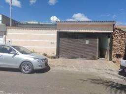 Casa para Venda em Alfenas, Residencial Oliveira, 3 dormitórios, 1 suíte, 1 banheiro, 2 va