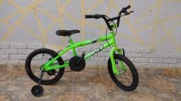Bicicleta infantil masculina néon até 8 anos