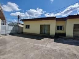 Título do anúncio: Alugo - Casa no centro de Caucaia com 3 quartos