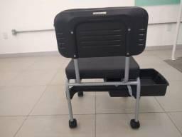 Cadeira manicure tipo cirandinha + suporte para pernas
