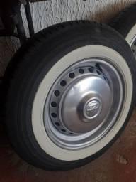 Jogo de rodas da Kombi aro 14 com pneus zeros