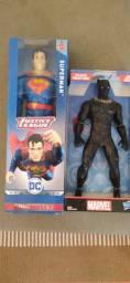 Boneco Super-homem e Pantera Negra