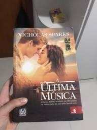 Livro A Última Música em bom estado
