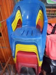 Cadeiras em otimo estado $25 cada