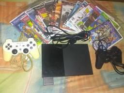 Vendo Playstation 2 em boas condições, com 2 comtroles, uma memory card e 19 jogos.