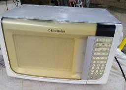Microondas Electrolux função grill