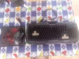 Teclado gamer, mouse gamer e mousepad