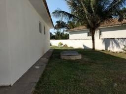 Casa com suíte e quintal grande para locação em Araruama Região dos Lagos