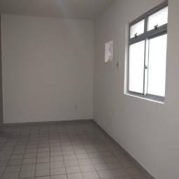 Apartamento de 1 quarto, pertíssimo da praia e de tudo!