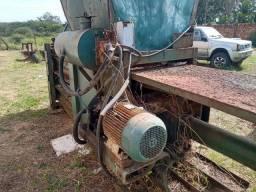 Barbada  Três prensa hidraulica para sucata pelo preço de uma
