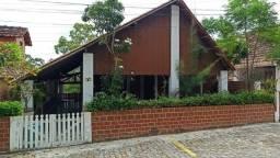 Casa em Condomínio com três quartos - Ref. GM-0239