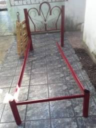 1 cama de solteiro tem que solda um lado , pouca coisa prelo 70,00 reais