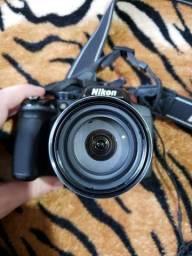 Câmera Semi-Profissional Nikon P520 Usada