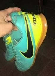 Chuteira Nike Tiempo