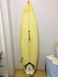 Prancha de surf RM 6,2 vendo ou troco por funbeach (ou acima de 34 litros)