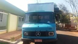 Caminhão Baú 608 ano 80