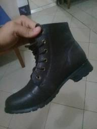 Vendo bota coturno feminina n° 38