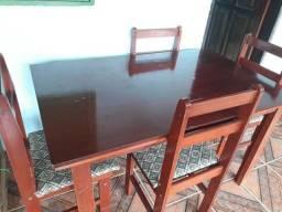Mesa - 4 Cadeiras