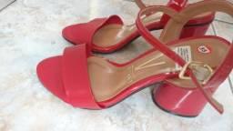 b229677681 NOVA - Sandália Vermelha - numero 35