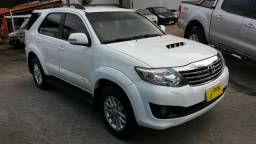 Hilux SW4 3.0 4x4 7 lugares 2012 - 2012