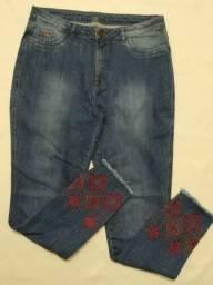 Calça jeans bordada na perna, Tamanho 44, Nova, R$ 90,00