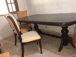 Jogo sala de jantar-mesa e 4 cadeiras, revestido em madeira jacarandá, perfeito estado!