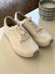 Tênis branco tamanho 36