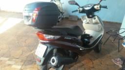 Vendo moto 150 automatica