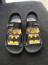 Sandália do Batman tamanho 28