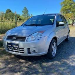 Ford Fiesta Class 1.6 Zetec Rocam 8V em perfeito estado
