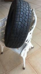 1 pneu de camioneta Fiat