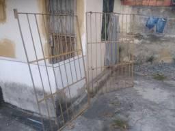 Portão e grande