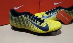 Chuteira de Campo Nike 41