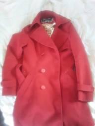 Casaco lindo vermelho veste muito bem, tamanho M