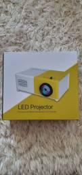 "Mini projetor novo na caixa ""aceito oferta"""