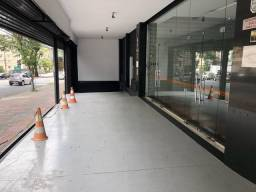 Título do anúncio: Loja para aluguel e venda possui 825m2 e 230m2 mezanino em Lourdes - Belo Horizonte - MG.